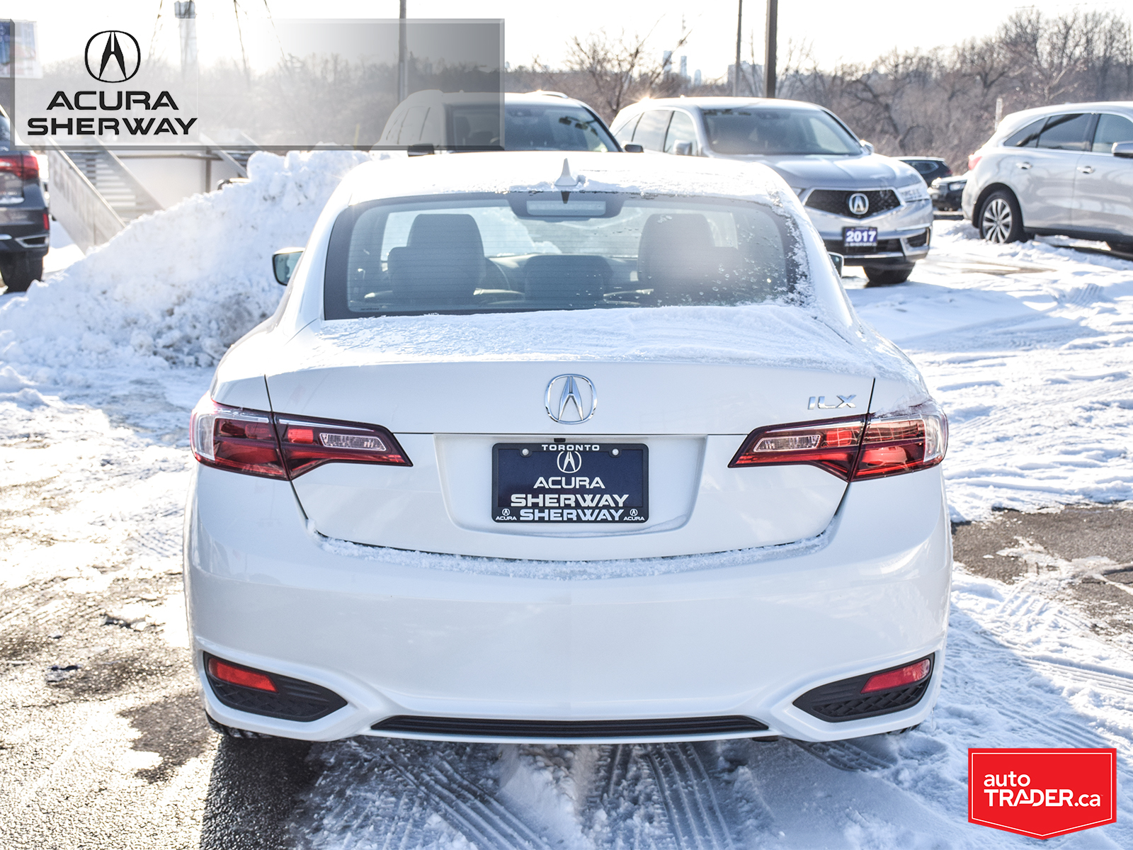 Pre-Owned 2018 Acura ILX Premium 8DCT